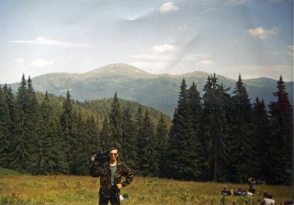 """2000 рік. Зйомки фільму """"Ойкос запрошує в Карпати"""". Привал на гірській галявині"""